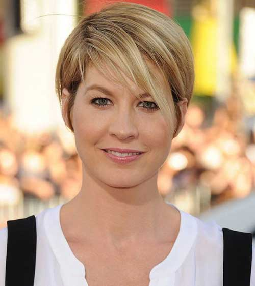 22.Short-Pixie-Cut-for-Fine-Hair