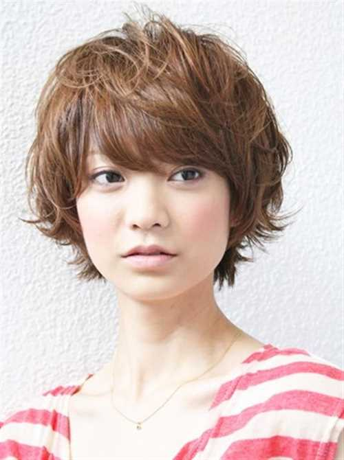 Brown-Short-Wavy-Hairstyle1 Brown-Short-Wavy-Hairstyle1