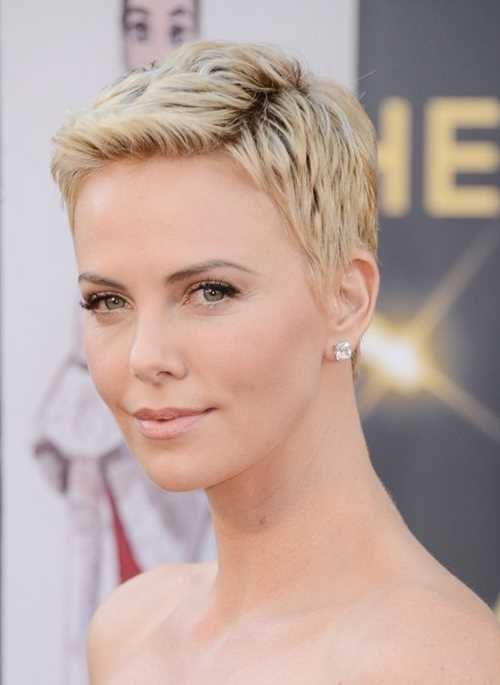 Charlize-Theron-Short-Pixie-Haircut