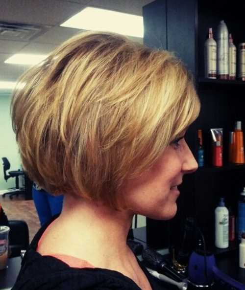 Easy-Short-Stacked-Bob-Hairstyles-for-Girls
