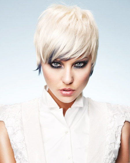 Fabulous-Pixie-Cut-with-Tinge-of-Navy-Blue-Color