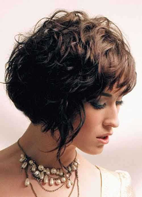 Good-Short-Haircuts-for-Wavy-Hair-3