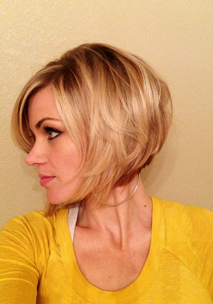 Inverted-Bob-Best-Short-Hairstyles-for-Women-and-Girls