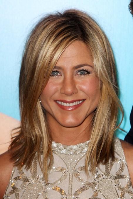 long bob Jennifer-Aniston-Layered-Long-Bob-Hairstyle