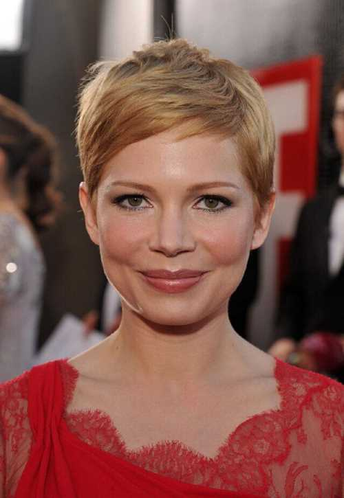Michelle-Williams-Short-Pixie-Haircut-Getty-Images