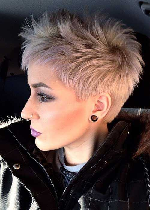 Pixie-Haircut-for-Platinum-Hair