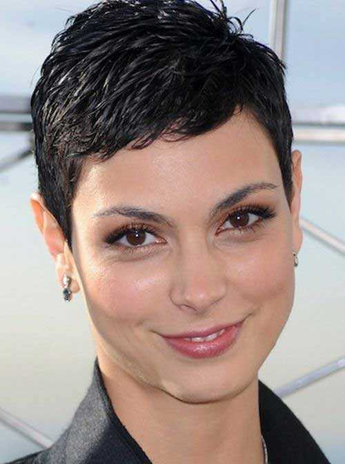 Pixie-Haircuts-Round-Face