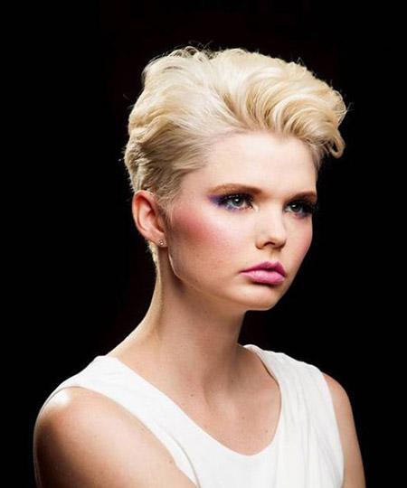 Ravishingly-Attractive-Pixie-Cut