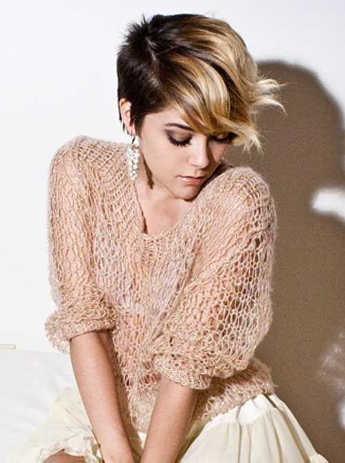 Short-Brown-Hair-with-Blonde-Highlights-Ombre-Wavy-Haircut Short-Brown-Hair-with-Blonde-Highlights-Ombre-Wavy-Haircut