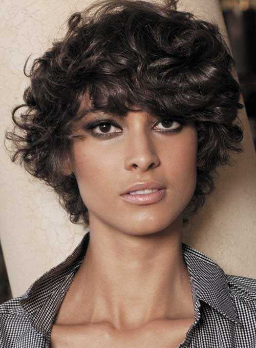 Short-Hairstyles-for-Curly-Frizzy-Hair