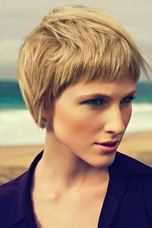 Short-Hairstyles-for-Thick-Hair-Blonde-Pixie-Haircut