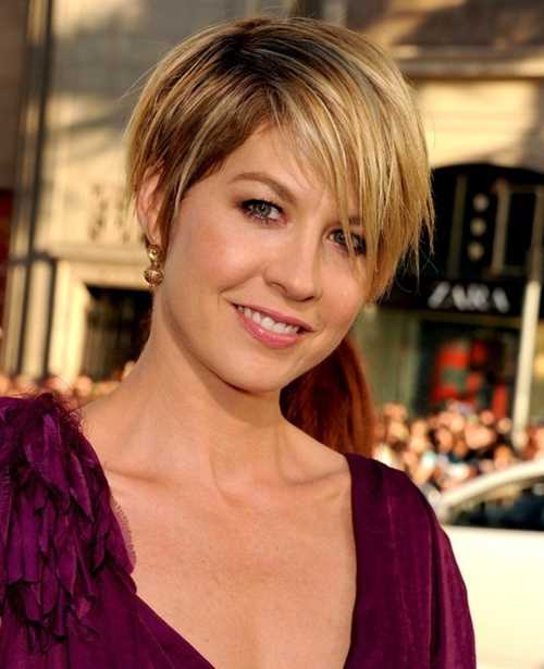 Short-Layered-Haircut-Pixie-Hairstyles
