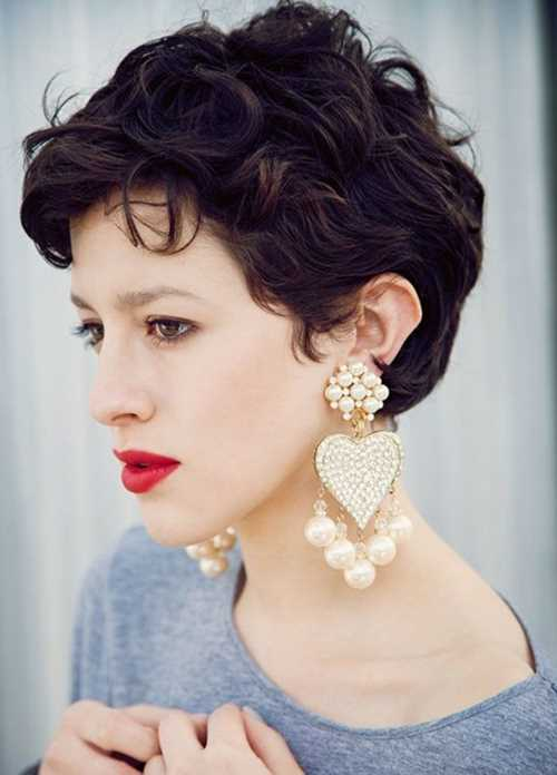 Short-Wavy-Haircuts-for-Women-Cute-Pixie-Hairstyle