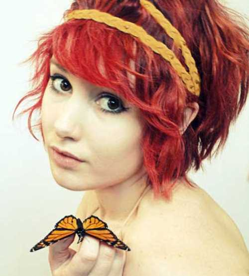 Short-wavy-red-hair