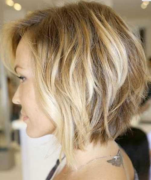 Soft-Wavy-Bob-Haircut-for-Women