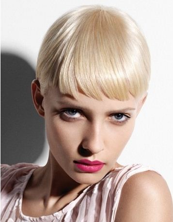 Taglio-capelli-corti-biondo-platino-2012