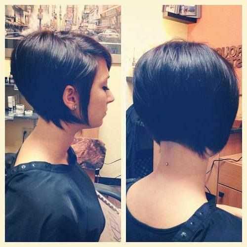 capelli corti con ciuffo laterale c300db40ef696cd4cc69675a1e2da75e