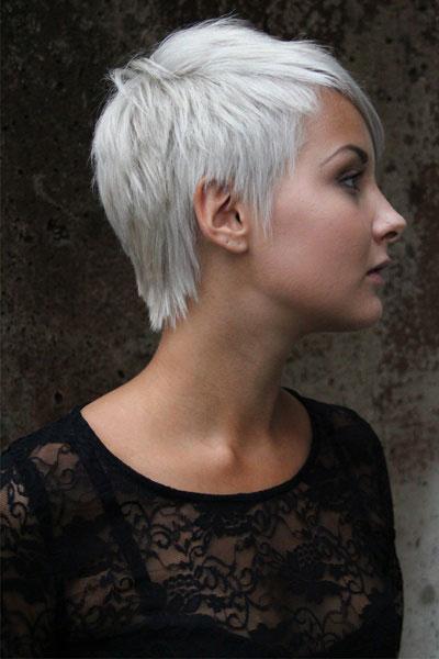 Tagli di capelli corti platino