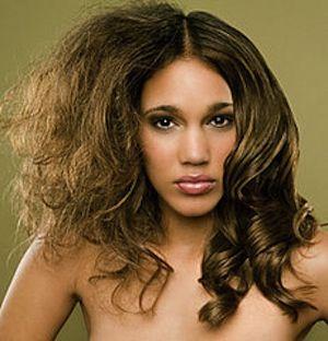 Tagli capelli lunghi crespi