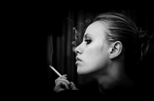 fumo nuoce ai capelli