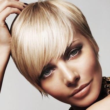 Come fermare una perdita di capelli sulla testa di donne