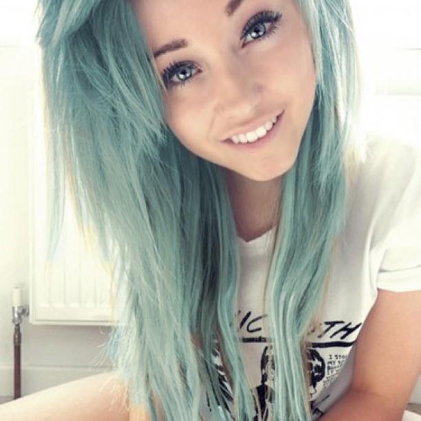 cute-mint-light-green-hair-color cute-mint-light-green-hair-color
