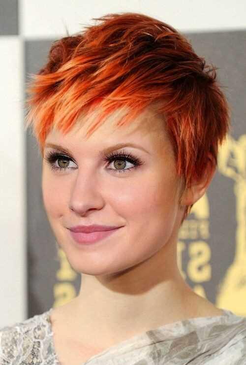 capelli cortissimi colorati