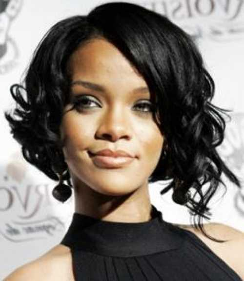 short-curly-bob-hairstyles-for-black-women-with-natural-wavy-hair-this-style-is-using-side-bang-and-the-hair-point-is-twisted-55bae435d6d6f