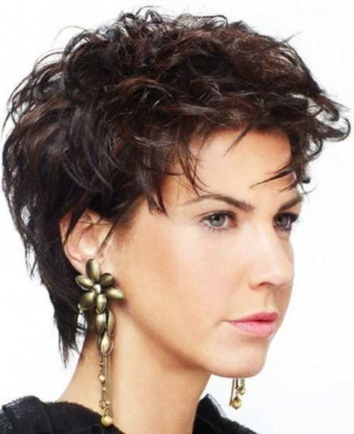 short-hairstyles-for-coarse-frizzy-hair-short-haircuts-for-women-haircuts-for-coarse-wavy-hair-haircuts-for-coarse-wavy-hair-450x551