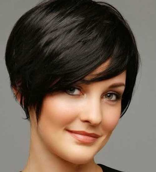 short-pixie-hairstyles-for-round-faces