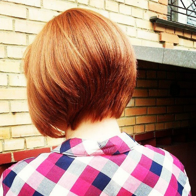 short-red-graduated-bob-hairstyle-for-thick-hair