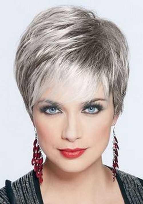 capelli cortissimi colorati short-silver-pixie-hairstyle-2016