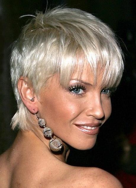 tagli-capelli-corti-biondo-platino-02 tagli-capelli-corti-biondo-platino-02