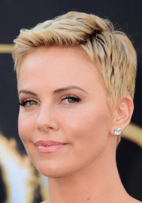 taglio-capelli-corti-per-donna-69 15 - CapelliStyle 3f3e3b2e81f2