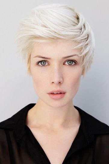 taglio-capelli-corto-biondo-platino