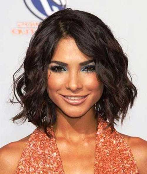 6.-Wavy-Short-Hairstyle