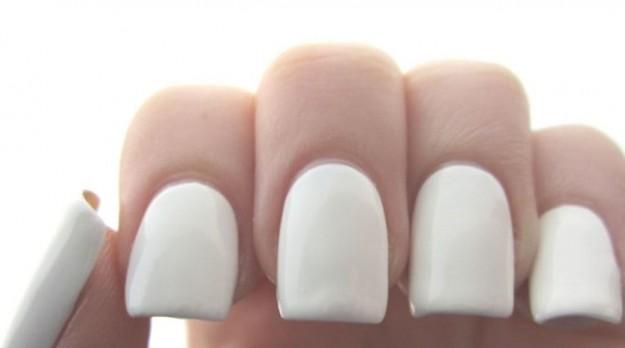 Come-realizzare-unghie-quadrate-2 Come-realizzare-unghie-quadrate-2