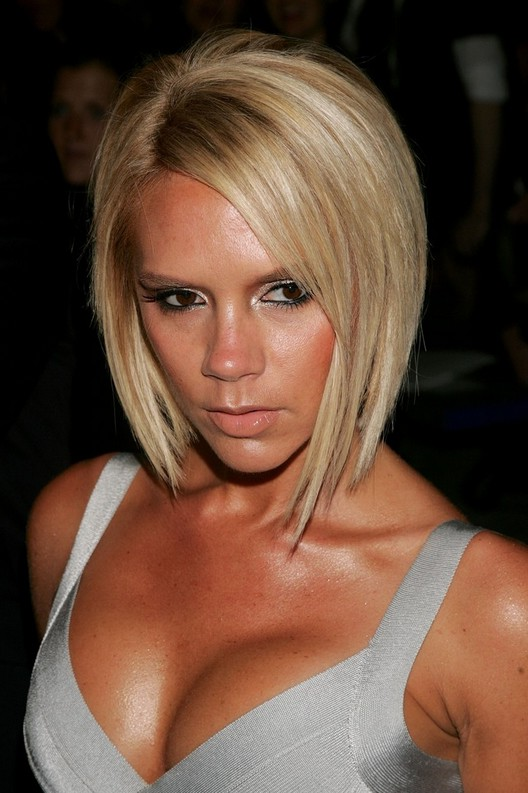 victoria beckham bob haircut acconciature capelli sciolti ecco i migliori look per il 2016 2249 | Victoria Beckham Beach Blonde Short Inverted Bob Haircut