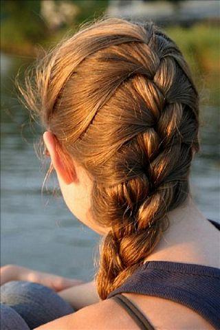 acconciature-capelli-1-treccia-alla-francese - CapelliStyle aea96da79342