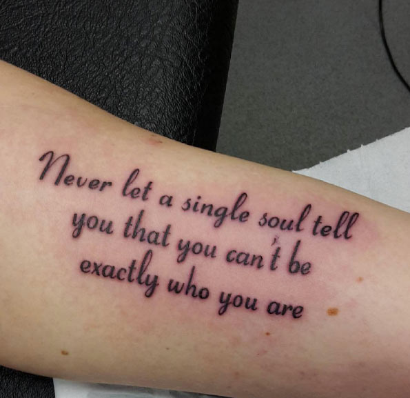 Tatuaggi Con Scritte: 80 Foto Per Scegliere Quello Giusto