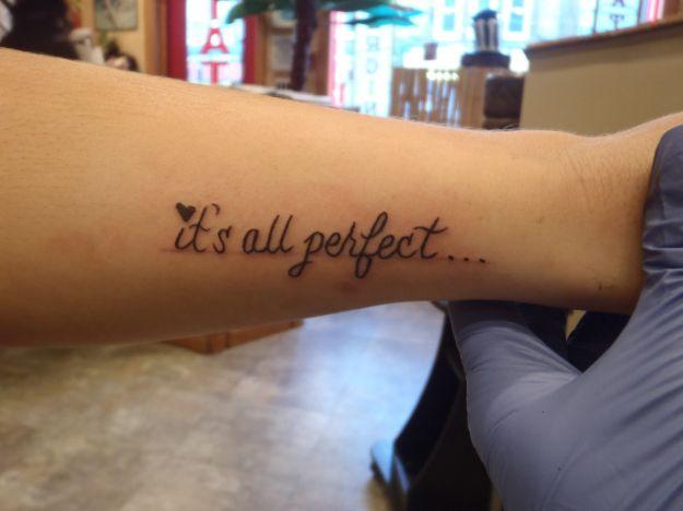 tatuaggio-frase-its-all-perfect