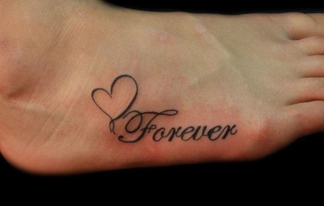 tatuaggio-piede-scritta-14