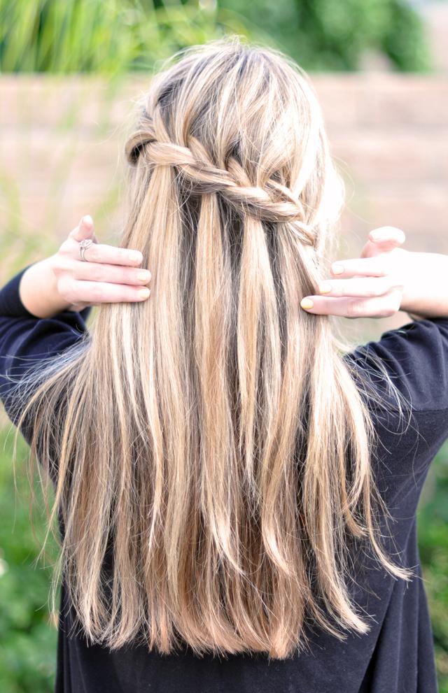 treccia-capelli-lunghi-OKH9