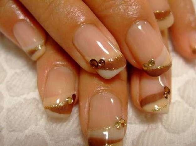 unghie-decorate-con-gel-dorate