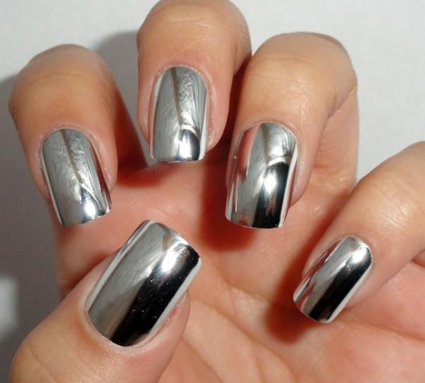 unghie-finte-metal