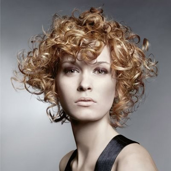 20-Best-Cute-Easy-Simple-Yet-Cool-Curly-Hairstyles-Haircuts-For-Women-3