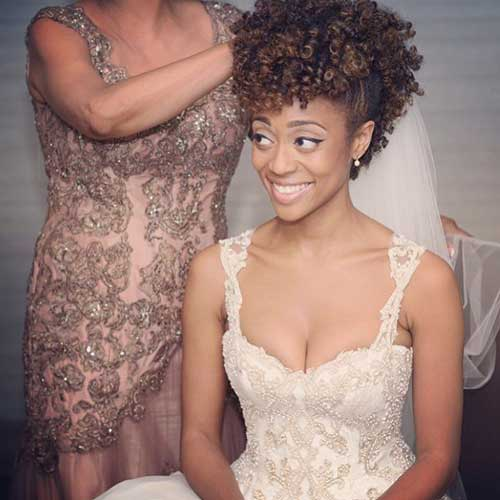 24.Short-Curly-Hairstyle-for-Black-Women 24
