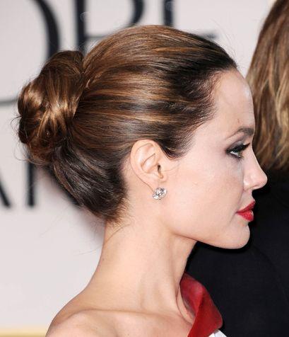 Angelina-Jolie-classico-chignon_su_vertical_dyn Angelina-Jolie-classico-chignon_su_vertical_dyn-2