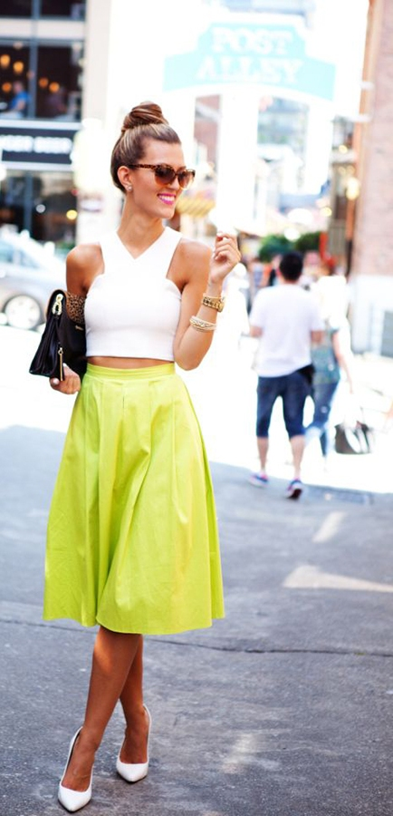 Eye-Catching-Summer-Neon-Outfit