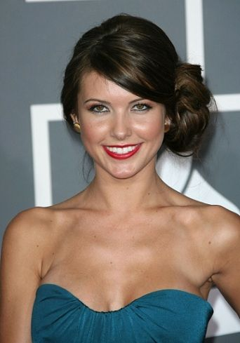audrina-patridge-side-chignon-hairstyle
